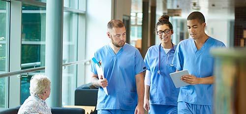 3 REGISTERED NURSES DISCUSS A PATIENT CARE PLAN