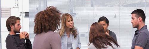 A PSYCHIATRIC NURSE LEADS A PROCESS SESSION